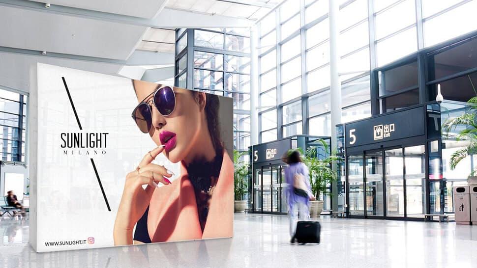 Parete espositiva per aereoporti | tictac.it