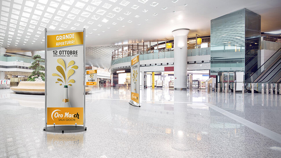 Display rigido bifacciale per centri commerciali | tictac.it
