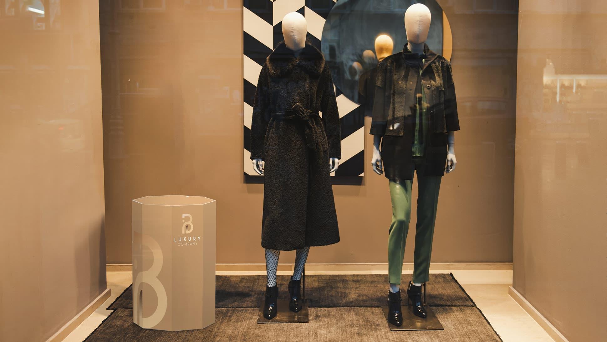 Ottagono decorativo in laminil medio-grande vetrina negozio di moda | tictac.it