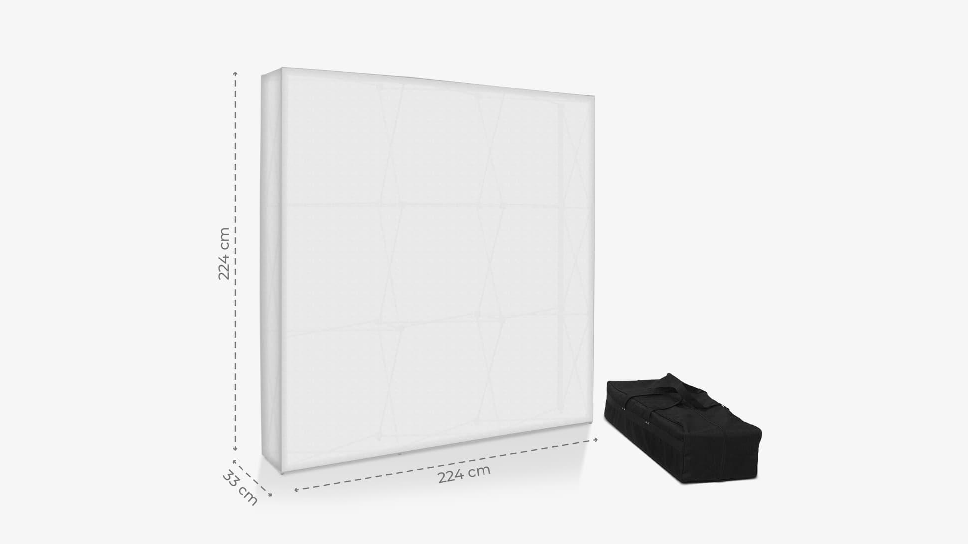 Parete espositiva quadrata con borsone | tictac.it