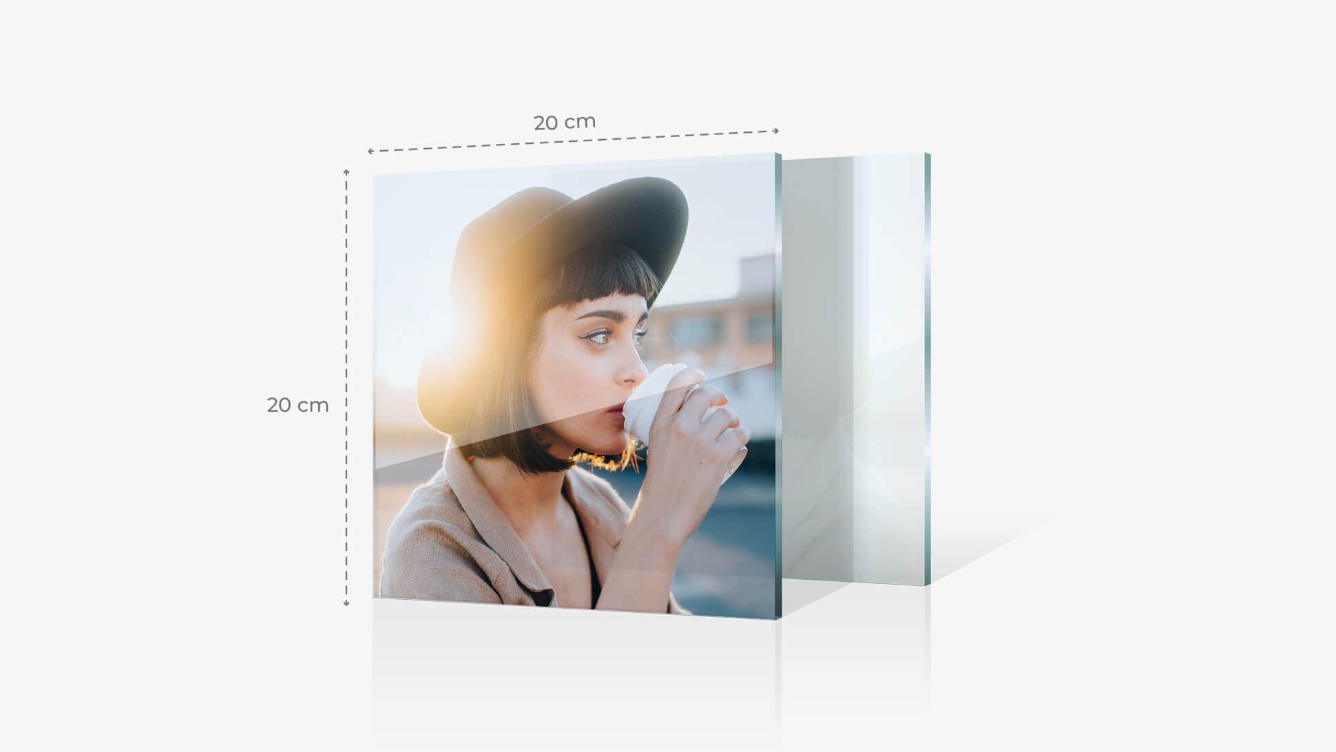 Foto su vetro acrilico 20x20 cm con grafica | tictac.it